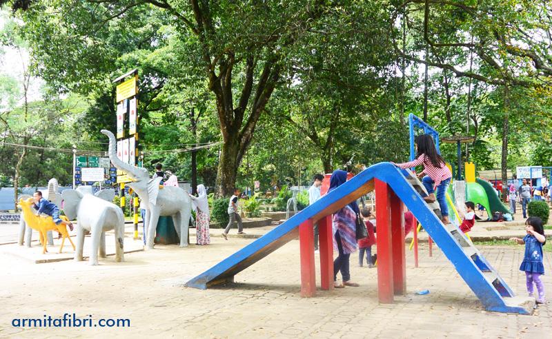 Bermain di Taman Lalu Lintas Bandung