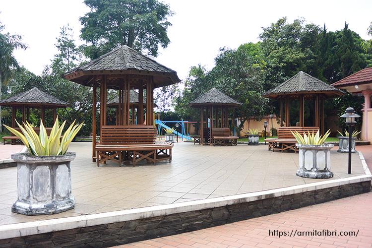 Review Kolam Renang di Bandung