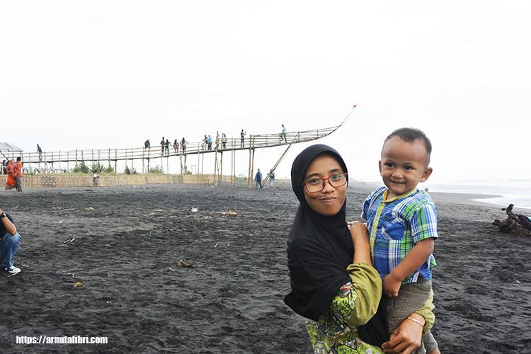 pantai mangrove jembatan api api Kulon Progo Jogjakarta