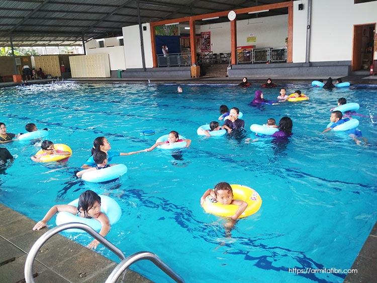 kolam renang air hangat di bandung