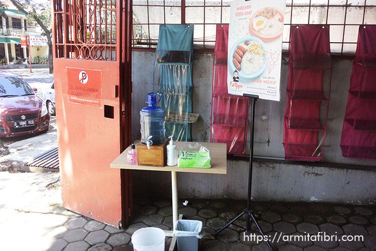 Cuci Tangan sebelum Masuk Restoran